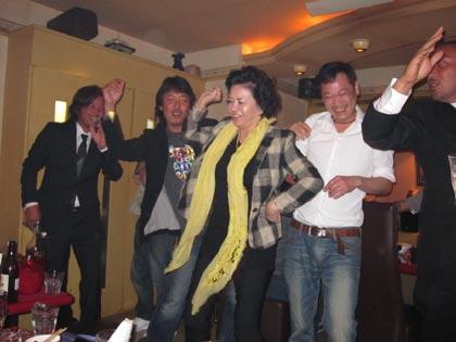 踊る綾ちゃん